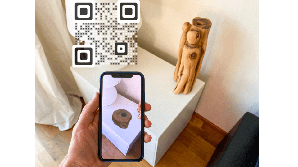Augmented reality QR Code: Mobile
